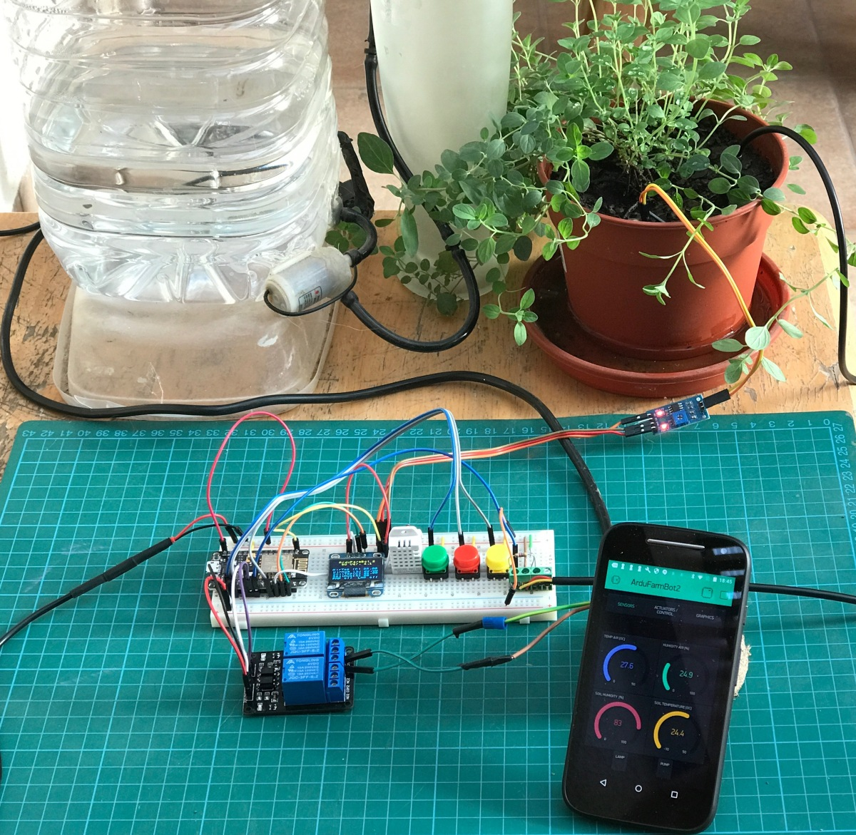 """""""ArduFarmBot 2"""" – Sistema automático para irrigação e calor, agora com o NodeMCU eBlynk"""